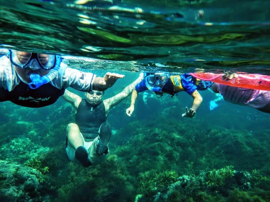家族でシュノーケリング!透明度抜群のお魚天国ヒリゾ浜