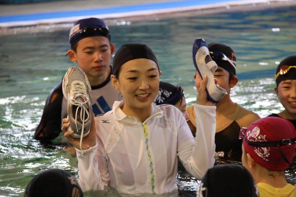 【岩崎恭子さんインタビュー:第6回】海遊び、川遊び。安全に遊ぶために、覚えてほしい「着衣泳」。