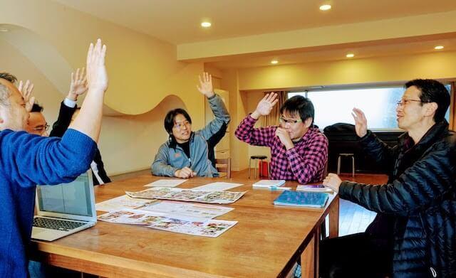 左から、石川さん、新濱さん、深沢さん、小松さん、藤岡さんさん