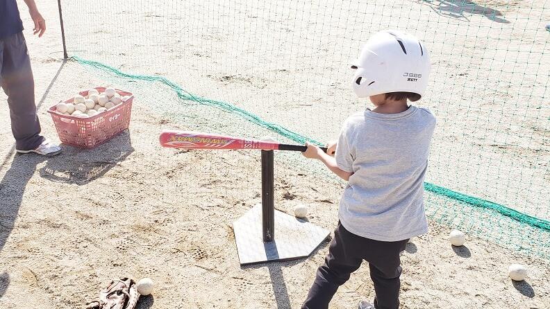 少年野球の体験練習~物心つく前から右投げ左打ちで遊んできた息子がついに野球の道へ|とうかいりん男爵