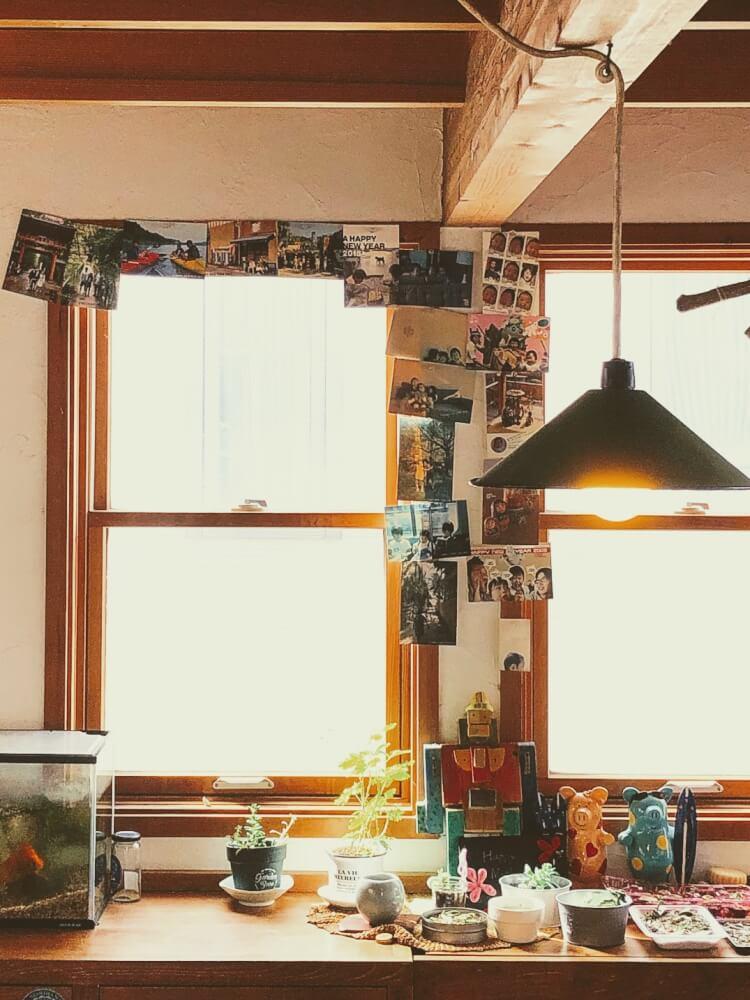 暮らしかた改革のススメ、自分たちらしい家|我が家の壁に貼っている飾りもののこと。